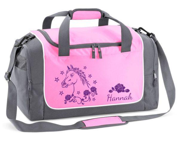 Sporttasche in Rosa mit Name und Pferdekopf mit Blumen