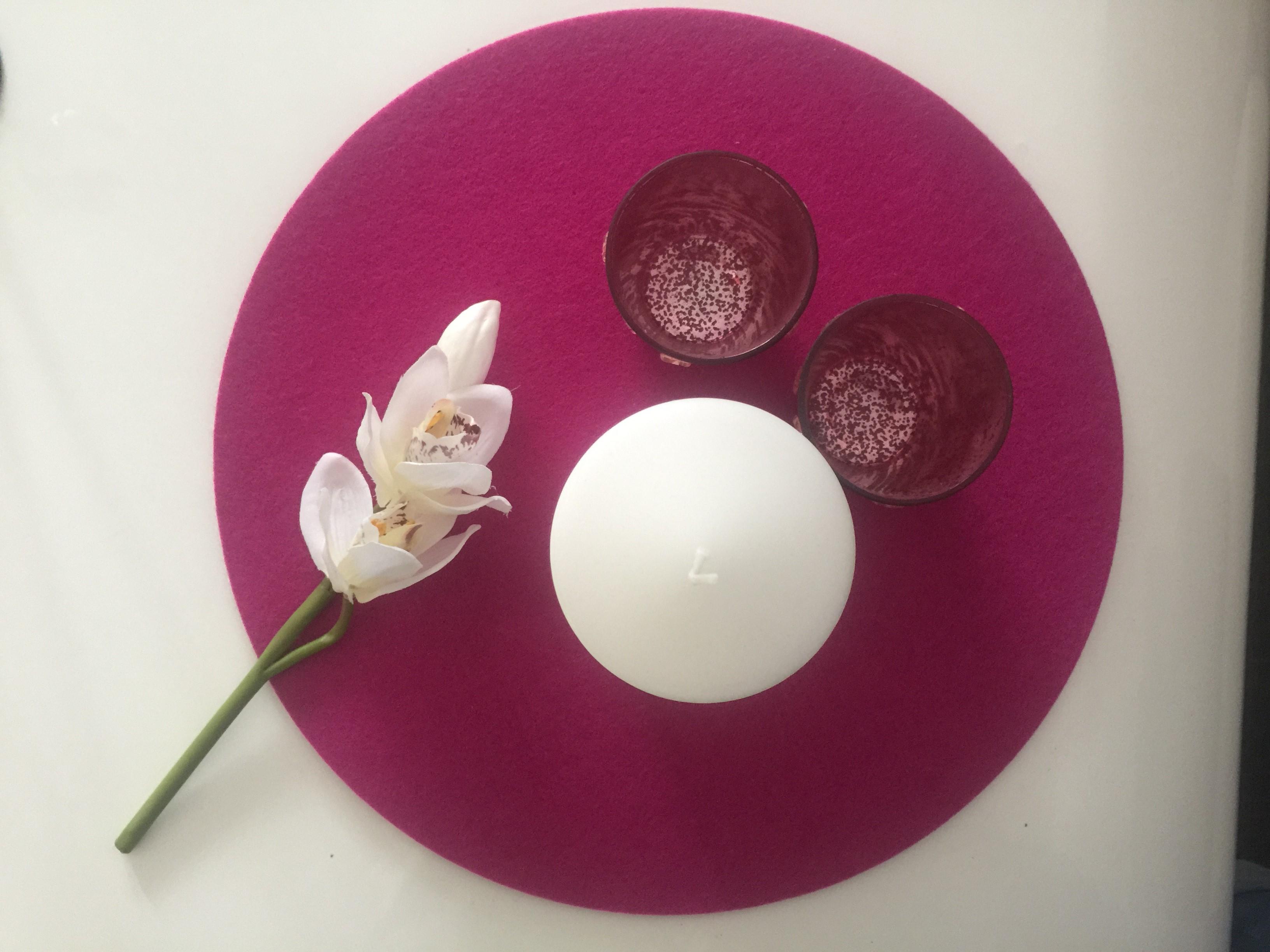 Mein Zwergenland Personalisierte Kerze zur Taufe mit Name und Datum Motiv 28 Creme Blumenkranz