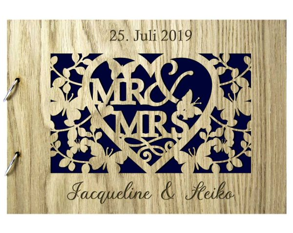 Rustikales Gästebuch aus Holz zur Hochzeit personalisiert Mr. & Mrs. Schmetterlingszauber