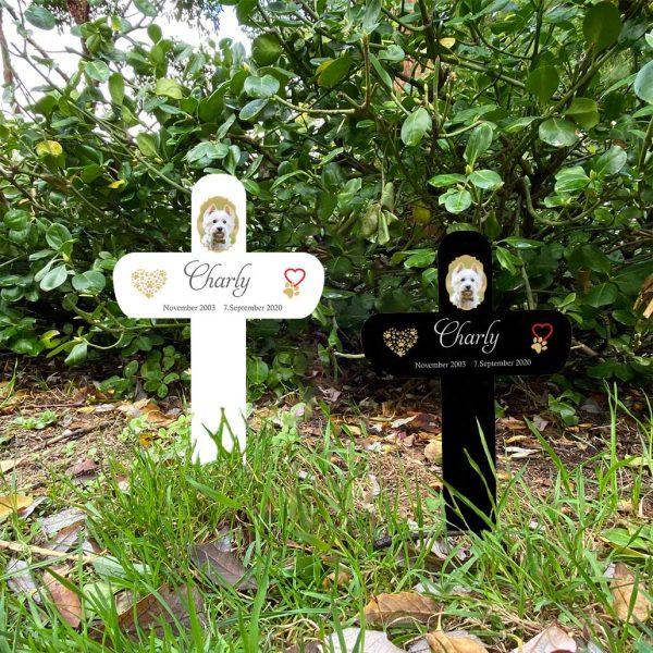 Grabkreuz fürs Tier mit Foto und Pfotenherz