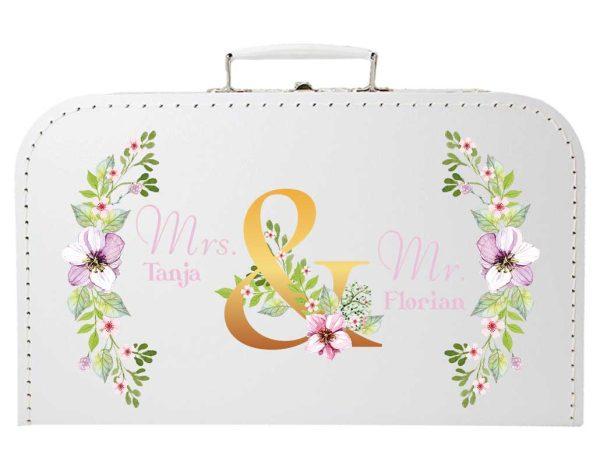 Koffer zur Hochzeit in weiss mit Blumenkranz